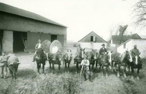 Arbejdere på Asmindrupgården 1923
